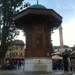 Foto de Sebilj Brunnen (Fountain)