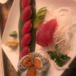 Sushi / Sashimi Combo Plate