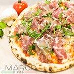 Парма руккола (Пармская шейка коппа, руккола, оливковое масло, сыр моцарелла, фирменный пицца-со