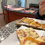 ภาพถ่ายของ Pazza Pizza