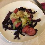 Saucisse catalane, chou rouge et poireau