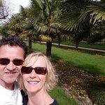 Oh das sind meine Frau und ich bei der Palmenallee ( Flora )