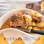 Stinco di maiale con patate