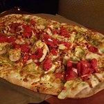 flarbread pizza - chicken pesto