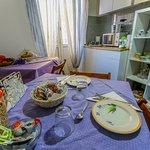 Sala Relax con frigorifero, bollitore ed angolo tisane, microonde-grill e macchina da toast