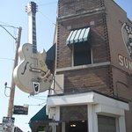 Sun Studios, the outside of the corner building with emblematic guitar