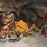 Photo de Tiger Cave Temple (Wat Tham Suea)