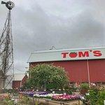 صورة فوتوغرافية لـ Tom's Farm Market and Greenhouse