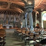 Colonia Guell  Gaudi Crypt resmi