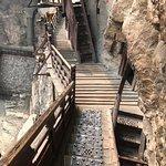 Photo de Hengshan Hanging Temple (Xuankong si)