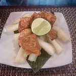 Fried pork rinds with yucca