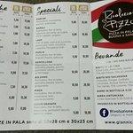 Pizzeria Rivoluzione Pizza ภาพถ่าย