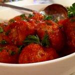 albóndigas (gehaktballetjes ) in tomatensaus