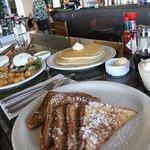 Breakfast at Cinnamon's