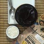 Tambaqui e açai com farinha de tapioca