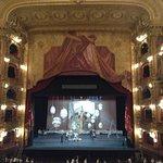 Vista desd el palco principal, montaje de escenario en el Colón