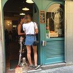 Foto de Le Vespe Cafe
