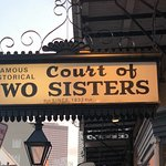 Photo de Court of Two Sisters