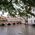 صورة فوتوغرافية لـ Passeggiata lungo la restera