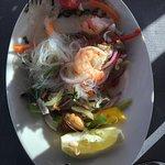 Glasnudelsalat mit Meeresfrüchten - warm serviert ,-)