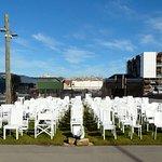 Foto de 185 Empty White Chairs - Earthquake Memorial