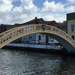 Ria de Aveiro - canal onde os barcos moliceiros realizam passeios com os turistas.