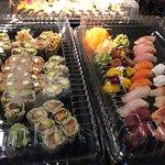 Let's order some sumptuous vegan sushi! The vegan sushi set is wonderful: delightful taste and b