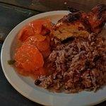 Foto de Creole's Rotisserie Chicken