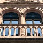Milano, Casa Rossi: particolare della facciata