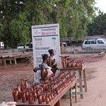 Vendeuses des baobabs faites en bois de palissandre