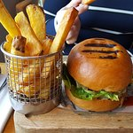 Beefburger and handcut chips