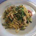 tagliolini with zucchini an shrimps