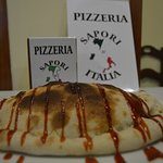 Pizza calzone barbacoa.
