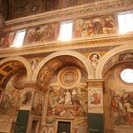 Pregevoli ed affascinanti affreschi (coro delle monache)