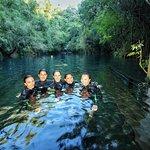 Servidoras do IFMS fazendo mergulho com cilindro na Lagoa misteriosa