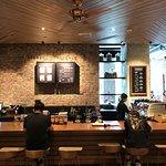 صورة فوتوغرافية لـ Starbucks (YunDang Road)