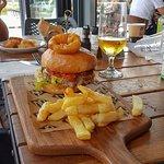 Mega Burger with chips