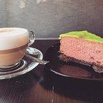 Sernik arbuzowy, cappuccino