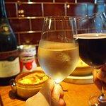美味しいお食事とワインで楽しい時間をお過ごしいただけます♪