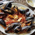 spicy linguini with mussels