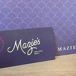 MAZIE'S Logo