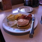 breakfast.hotcakes,bacon etc