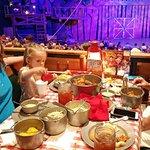 Hatfield & McCoy Dinner Show Φωτογραφία