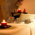 Wide and comfortable stretchers  // Camillas amplias y cómodas para disfrutar del masaje