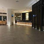 Fotos correspondientes al hall, piscina, restaurante. El diseño y la amplitud en todos los espac