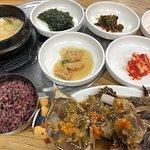 ภาพถ่ายของ Ahyeondong Ganjang Gejang