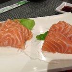 Pollo affumicato, in salsa teriyaki e sashimi