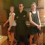 BBQ Guy and Girls