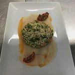 Carpaccio de haddock fumé, asperge et tomates confites