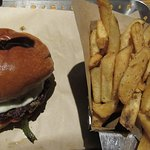 Gaucamole Burger...incorrectly served with fries.